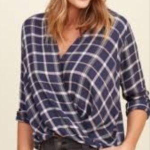 🌷GUC Hollister Blue/Pink Plaid Wrap Front Shirt